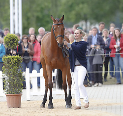 59839686 <br /> Zara Phillips, daughter of Princess Anne and Granddaughter of the British Queen at Luhmühlen, before the Jump in Look, Salzhausen in Germany, June 16, 2013. UK ONLY