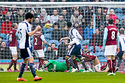 West Brom's Chris Brunt scores his sides first goal for 1-2  - Photo mandatory by-line: Matt McNulty/JMP - Mobile: 07966 386802 - 08/02/2015 - SPORT - Football - Burnley - Turf Moor - Burnley v West Brom - Barclays Premier League