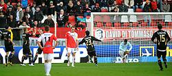 08-11-2009 VOETBAL: FC UTRECHT - HEERENVEEN: UTRECHT<br /> Utrecht verliest met 3-2 van Heerenveen / Heerenveen komt op 3-0 door Michal Papadopulos<br /> ©2009-WWW.FOTOHOOGENDOORN.NL