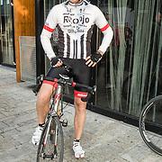NLD/Almere/20160924 - Start fietstocht BN'ers trappen darmkanker de wereld uit, Sander Janson