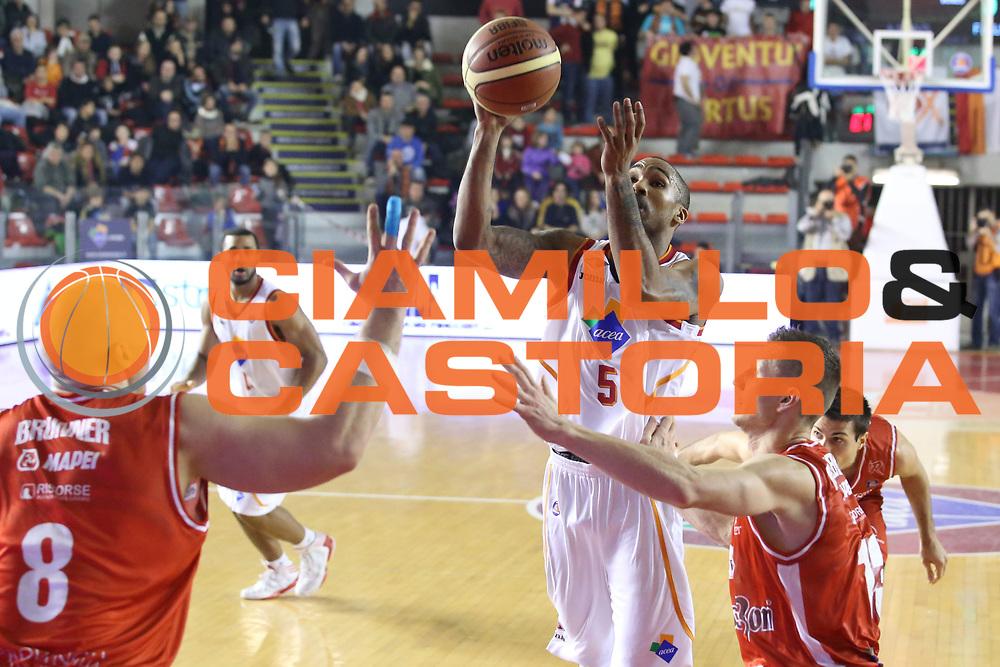 DESCRIZIONE : Roma Campionato Lega A 2013-14 Acea Virtus Roma Grissin Bon Reggio Emilia <br /> GIOCATORE :  Goss Phil<br /> CATEGORIA : tiro<br /> SQUADRA : Acea Virtus Roma<br /> EVENTO : Campionato Lega A 2013-2014<br /> GARA : Acea Virtus Roma Grissin Bon Reggio Emilia <br /> DATA : 22/12/2013<br /> SPORT : Pallacanestro<br /> AUTORE : Agenzia Ciamillo-Castoria/M.Simoni<br /> Galleria : Lega Basket A 2013-2014<br /> Fotonotizia : Roma Campionato Lega A 2013-14 Acea Virtus Roma Grissin Bon Reggio Emilia <br /> Predefinita :