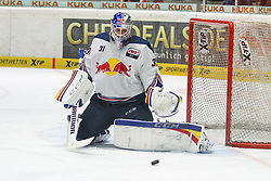 20.02.2015, Curt-Frenzel-Stadion, Augsburg, GER, DEL, Augsburger Panther vs EHC Red Bull München, 49. Runde, im Bild Torwartaktion von Niklas Treutle #31 (EHC Red Bull Muenchen) // during Germans DEL Icehockey League 49th round match between Adler Mannheim and Grizzly Adams Wolfsburg at the Curt-Frenzel-Stadion in Augsburg, Germany on 2015/02/20. EXPA Pictures © 2015, PhotoCredit: EXPA/ Eibner-Pressefoto/ Kolbert<br /> <br /> *****ATTENTION - OUT of GER*****