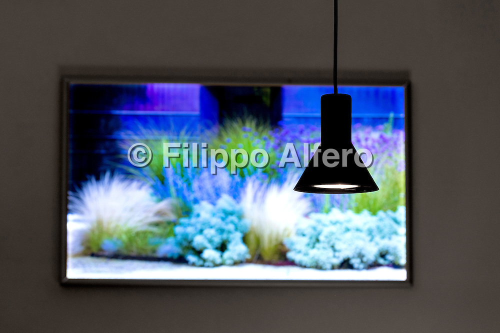 &copy; Filippo Alfero<br /> Casa delle lampadine, presentazione luci Davide Groppi a casa di Cristiana Ruspa<br /> Torino, 08/10/2015<br /> Nella foto: la lampada Neuro