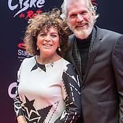 NLD/Amsterdam/20161120 - premiere Ciske de Rat de Musical, Henriette Tol en partner Rob Snoek