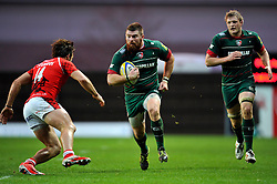 Michele Rizzo of Leicester Tigers goes on the attack - Photo mandatory by-line: Patrick Khachfe/JMP - Mobile: 07966 386802 23/11/2014 - SPORT - RUGBY UNION - Oxford - Kassam Stadium - London Welsh v Leicester Tigers - Aviva Premiership