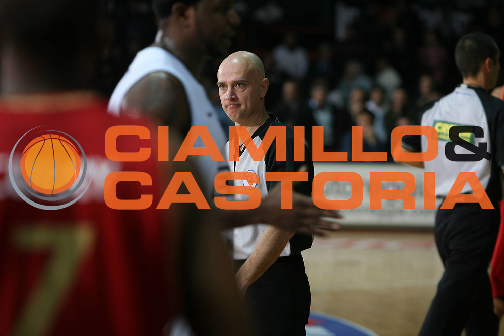 DESCRIZIONE : Caserta Lega A1 2008-09 Eldo Caserta Scavolini Spar Pesaro<br /> GIOCATORE : Luciano Tola<br /> SQUADRA : AIAP<br /> EVENTO : Campionato Lega A1 2008-2009 <br /> GARA : Eldo Caserta Scavolini Spar Pesaro<br /> DATA : 10/12/2008 <br /> CATEGORIA : ritratto arbitro referees<br /> SPORT : Pallacanestro <br /> AUTORE : Agenzia Ciamillo-Castoria/E.Castoria