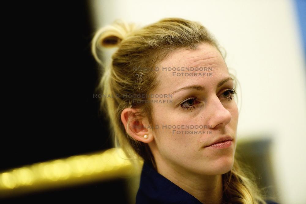 05-01-2016 TUR: European Olympic Qualification Tournament Persmoment, Ankara <br /> In het spelershotel was er een moment voor de pers / Debby Stam-Pilon #16 geïnterviewd door telegraaf media