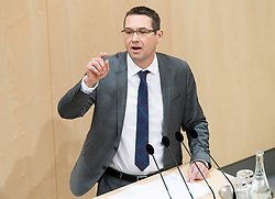"29.01.2019, Hofburg, Wien, AUT, Parlament, Nationalratssitzung, Sondersitzung des Nationalrates mit einem Dringlichen Antrag der SPÖ zum Thema ""Mangel an Ärztinnen und Ärzten in Österreich"", im Bild Nationalratsabgeordneter SPÖ Markus Vogl // Member of the National Council SPOe Markus Vogl during meeting of the National Council of austria due to the topic ""Lack of Medical Doctors in Austria"" at Hofburg palace in Vienna, Austria on 2019/01/29, EXPA Pictures © 2019, PhotoCredit: EXPA/ Michael Gruber"