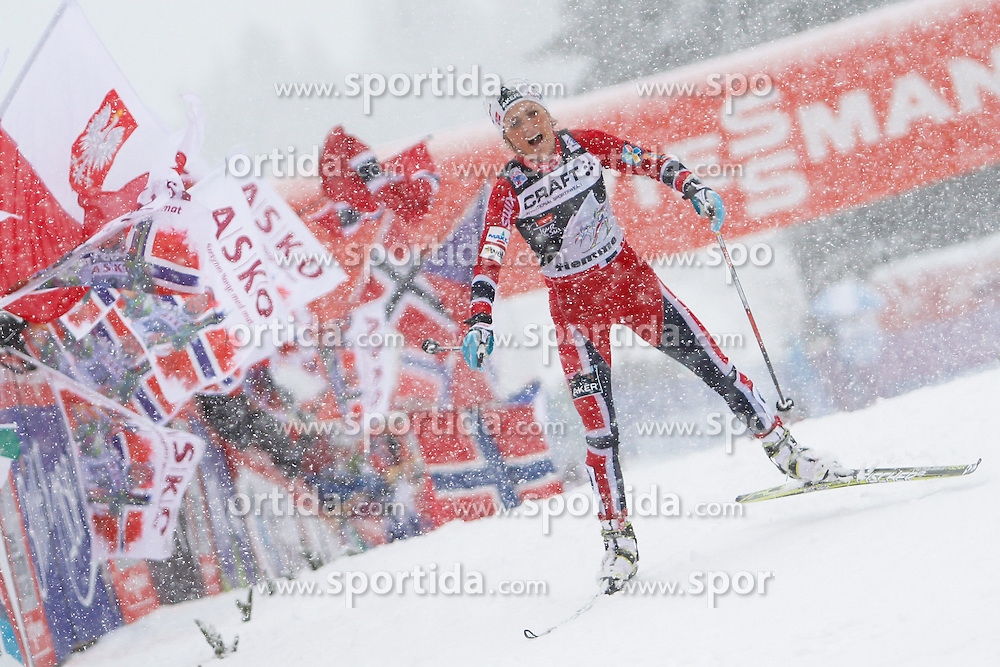 05.01.2014, Langlaufstadion, Alpe Cermis, ITA, FIS Tour de Ski, Langlauf Damen, Individual Start 9 Km, im Bild Johaug Therese (NOR) // during the Ladies 9 km Pursuit Cross Country of the FIS Tour de Ski 2014 at the Cross Country Stadium, Lago di Tesero, Italy on 2014/01/05. EXPA Pictures © 2014, PhotoCredit: EXPA/ Federico Modica