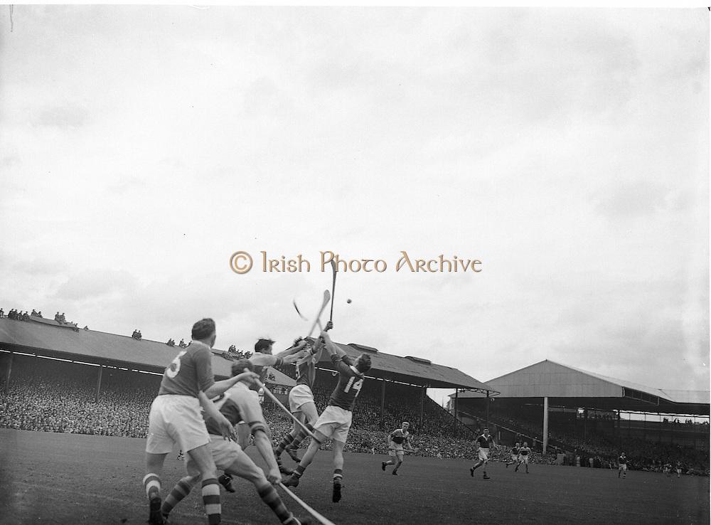 Neg No:.594/8096-8100,..5091954AISHCF,..05.09.1954, 09.05.1954, 5th September 1954.All Ireland Senior Hurling Championship - Final,...Cork.1-9,..Wexford.1-6,..