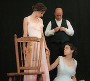 צילום הצגה   אורח זר