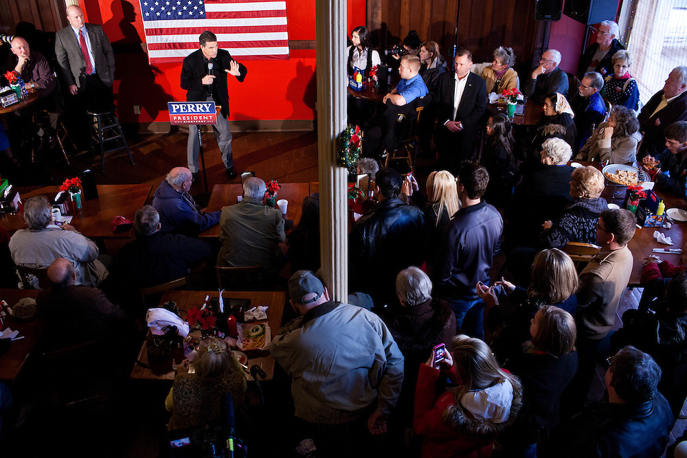 Republican presidential candidate Rick Perry speaks at Kuhly's Bar & Grill on Thursday, December 22, 2011 in Ottumwa, IA.