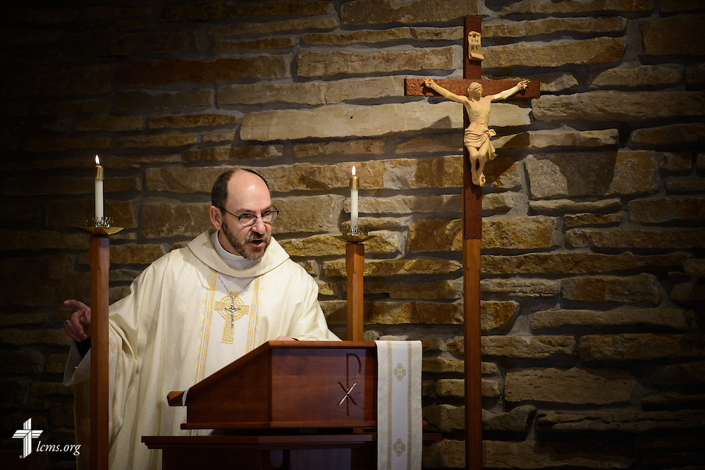 The Rev. Peter Bender, pastor of Peace Lutheran Church in Sussex, Wis., preaches on Transfiguration Sunday, Feb. 7, 2016, at the church in Sussex. LCMS Communications/Erik M. Lunsford