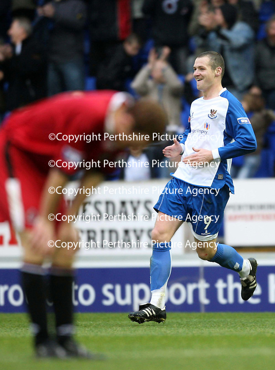 St Johnstone v Clyde....27.10.07<br /> Kenny Deuchar celebrates as Ruari McLennan hangs his head <br /> Picture by Graeme Hart.<br /> Copyright Perthshire Picture Agency<br /> Tel: 01738 623350  Mobile: 07990 594431