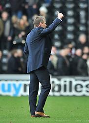 Nottingham Forest Manager, Stuart Pearce gives the thumb up - Photo mandatory by-line: Dougie Allward/JMP - Mobile: 07966 386802 - 17/01/2015 - SPORT - Football - Derby - iPro Stadium - Derby County v Nottingham Forest - Sky Bet Championship