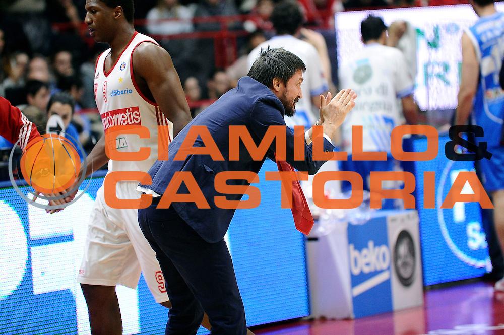 DESCRIZIONE : Varese Lega A 2014-2015 Openjob Metis Varese Banco di Sardegna Sassari<br /> GIOCATORE : Gianmarco Pozzecco<br /> CATEGORIA : esultanza<br /> SQUADRA : Openjob Metis Varese<br /> EVENTO : Campionato Lega A 2014-2015<br /> GARA : Openjob Metis Varese Banco di Sardegna Sassari<br /> DATA : 26/12/2014<br /> SPORT : Pallacanestro<br /> AUTORE : Agenzia Ciamillo-Castoria/Max.Ceretti<br /> GALLERIA : Lega Basket A 2014-2015<br /> FOTONOTIZIA : Varese Lega A 2014-2015 Openjob Metis Varese Banco di Sardegna Sassari<br /> PREDEFINITA :