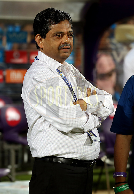 Ratnakar Shetty is the BCCI's head of operations during match 30 of the Vivo 2017 Indian Premier League between the Rising Pune Supergiants and the Kolkata Knight Riders  held at the MCA Pune International Cricket Stadium in Pune, India on the 26th April 2017<br /> <br /> Photo by Sandeep Shetty - Sportzpics - IPL