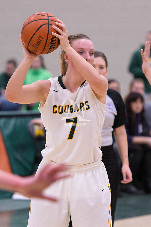 4th year guard Sara Hubenig (7) of the Regina Cougars `in action during the home game on January  27 at Centre for Kinesiology, Health and Sport. Credit: Arthur Ward/Arthur Images