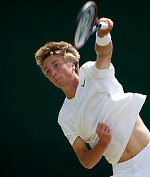LONDON, ENGLAND - Wednesday, June 29, 2011: Liam Broady (GBR) in action during the Boys' Singles 3rd Round match on day nine of the Wimbledon Lawn Tennis Championships at the All England Lawn Tennis and Croquet Club. (Pic by David Rawcliffe/Propaganda)