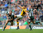 Twickenham, GREAT BRITAIN, Exiles, Mike CATT steals the ball of Riki FLUTEY's toe, as he attemps to kock the ball clear, during the Guinness Premiership match,  London Irish vs London Wasps, at Twickenham Stadium, Surrey on Sat 06.09.2008. [Photo, Peter Spurrier/Intersport-images]