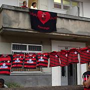 Shirt sellers line the streets during the Flamengo V  Fluminense, Futebol Brasileirao  League match at Estadio Olímpico Joao Havelange, Rio de Janeiro, The classic Rio derby match ended in a 3-3 draw. Rio de Janeiro,  Brazil. 19th September 2010. Photo Tim Clayton.