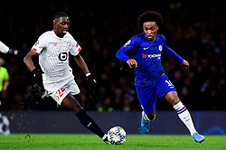 Willian of Chelsea is marked by Boubakary Soumare of Lille - Mandatory by-line: Ryan Hiscott/JMP - 10/12/2019 - FOOTBALL - Stamford Bridge - London, England - Chelsea v Lille - UEFA Champions League group stage