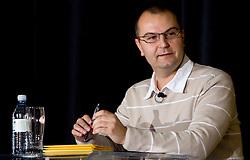 Voditelj Dejan Obrez na okrogli mizi o krizi slovenskega rokometa danes, 26. oktober 2010, kongresna dvorana Mercurius, BTC City, Ljubljana, Slovenija. (Photo by Vid Ponikvar / Sportida)