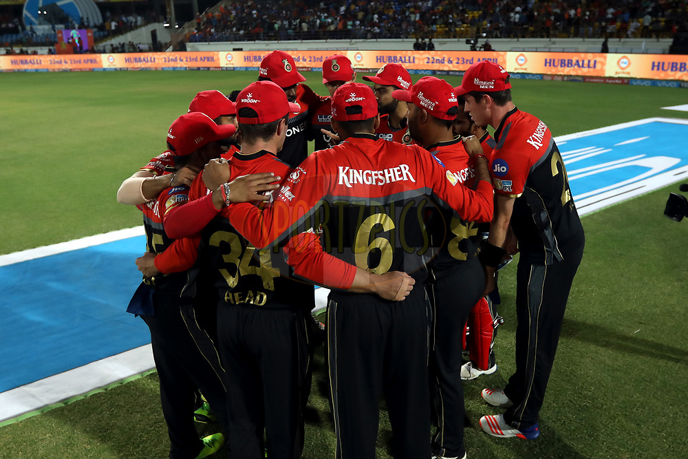 Royal Challengers Bangalore team huddle during match 20 of the Vivo 2017 Indian Premier League between the Gujarat Lions and the Royal Challengers Bangalore  held at the Saurashtra Cricket Association Stadium in Rajkot, India on the 18th April 2017<br /> <br /> Photo by Sandeep Shetty - Sportzpics - IPL