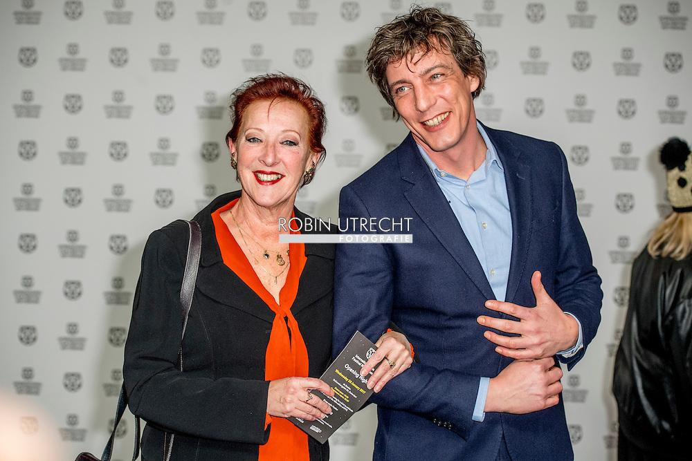 ROTTERDAM - filmfestival opening rode loper en opening van de film lemon  LOES LUCA MET HAAR ZOON ROBIN UTRECHT