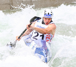 27.06.2015, Verbund Wasserarena, Wien, AUT, ICF, Kanu Wildwasser Weltmeisterschaft 2015, K1 men, im Bild Vid Debeljak (SLO) // during the final run in the men's K1 class of the ICF Wildwater Canoeing Sprint World Championships at the Verbund Wasserarena in Wien, Austria on 2015/06/27. EXPA Pictures © 2014, PhotoCredit: EXPA/ Sebastian Pucher