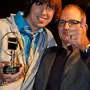 NLD/Amsterdam/20101022 - Televiziergala 2010 - uitreiking Radioring, winnaar Mattie Valk en Jeroen van Inkel