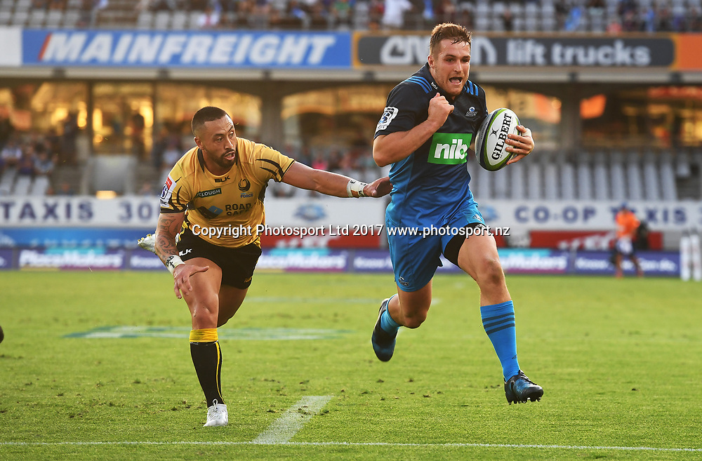 Blues fullback Michael Collins scores a try. Blues v Force. Super Rugby. Eden Park, Auckland, New Zealand. Saturday 1 April 2017. © Copyright Photo: Andrew Cornaga / www.Photosport.nz