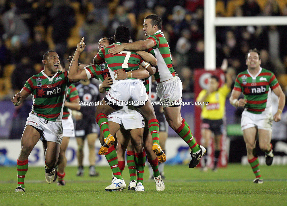 Rabbitohs celebrate after a dropgoal from Chris Sandow seals the victory. Vodafone Warriors vs South Sydney Rabbitohs. NRL, Mt Smart Stadium, Auckland. New Zealand. Friday 6 June 2008. Photo: William Booth/PHOTOSPORT