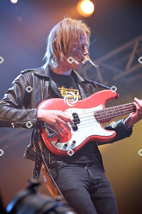 SCHIJNDEL - De band Go Back To The Zoo op mainstage van Pinkpop 2011. FOTO LEVIN DEN BOER - PERSFOTO.NU