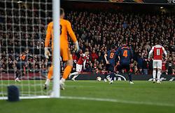 Mesut Ozil of Arsenal on the ball - Mandatory by-line: Arron Gent/JMP - 02/05/2019 - FOOTBALL - Emirates Stadium - London, England - Arsenal v Valencia - UEFA Europa League Semi-Final 1st Leg