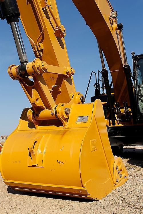 42 Contracting<br /> Equipment / Details / Textures