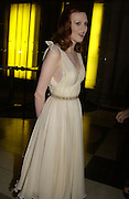 Karen Elson. British Fashion awards 2005. V. & A. Museum. Cromwell Rd. London.   10  November 2005 . ONE TIME USE ONLY - DO NOT ARCHIVE © Copyright Photograph by Dafydd Jones 66 Stockwell Park Rd. London SW9 0DA Tel 020 7733 0108 www.dafjones.com