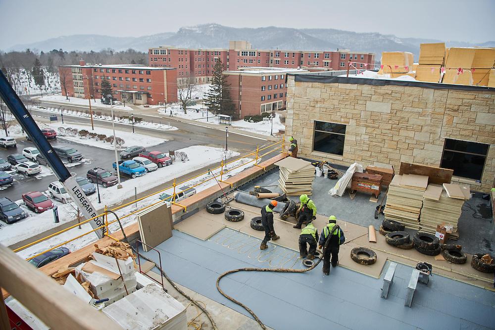 Location; Outside; People; Man Men; Type of Photography; Candid; UWL UW-L UW-La Crosse University of Wisconsin-La Crosse; Winter; February; Student Center Construction