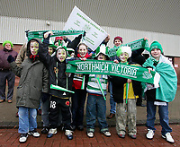 Photo: Andrew Unwin.<br />Sunderland v Northwich Victoria. The FA Cup. 08/01/2006.<br />A group of young Northwich Victoria fans are ready for the big day.