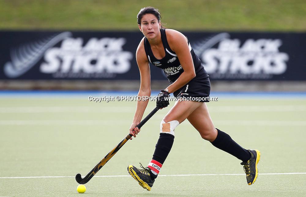 Kayla Sharland during the 4 Nations Hockey match, Blacksticks Women versus USA, Lloyd Elsmore Park, Auckland, Thursday 19 April 2012. Photo: Simon Watts / photosport.co.nz