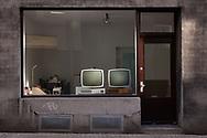 shop window with two old Wega Vision 3000 L televisions from the 60s, Cologne, Germany.<br /> <br /> Schaufenster mit zwei alten Wega Vision 3000 L Fernsehern aus den 60er Jahren, Koeln, Deutschland