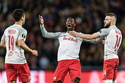 12.04.2018, Red Bull Arena, Salzburg, AUT, UEFA EL, FC Salzburg vs SS Lazio Roma, Viertelfinale, Rueckspiel, im Bild v.l. Hee Chan Hwang (FC Salzburg), Amadou Haidara (FC Salzburg), Valon Berisha (FC Salzburg) // during the UEFA Europa League Quaterfinal, 2nd Leg Match between FC Salzburg and SS Lazio Roma at the Red Bull Arena in Salzburg, Austria on 2018/04/12. EXPA Pictures © 2018, PhotoCredit: EXPA/ Stefan Adelsberger