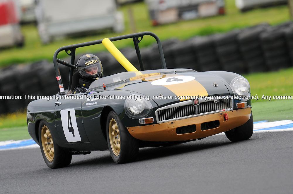 Michael Spruyt - Group Sb - MGB - Historic Motorsport Racing ...