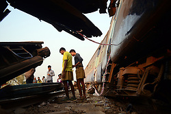 November 20, 2016 - Pukhrayan, Kanpur, India - Indian rescue team and volunteers of RSS performs rescue work near of derailed Indore Patna Express train, in Pukhrayan village, some 60 kms from Kanpur, on November 20,2016. More than 150 people died in Accident, According to officials. (Credit Image: © Ritesh Shukla/NurPhoto via ZUMA Press)