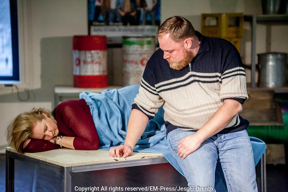 Perspresentatie van de musical The Full Monty<br /> <br /> Op de foto:  Dennis Willekens en Hilke Bierman