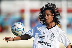 Ronaldinho Gaúcho domina bola em jogo/apresentação do Trianon, em Torres.FOTO: Jefferson Bernardes/Preview.com
