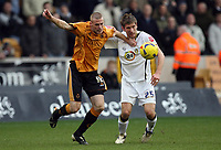 Photo: Rich Eaton.<br /> <br /> Wolverhampton Wanderers v Leeds United. Coca Cola Championship. 24/02/2007. Rob Edwards left of Wolves and Leeds Ricard Cresswell fight for the ball