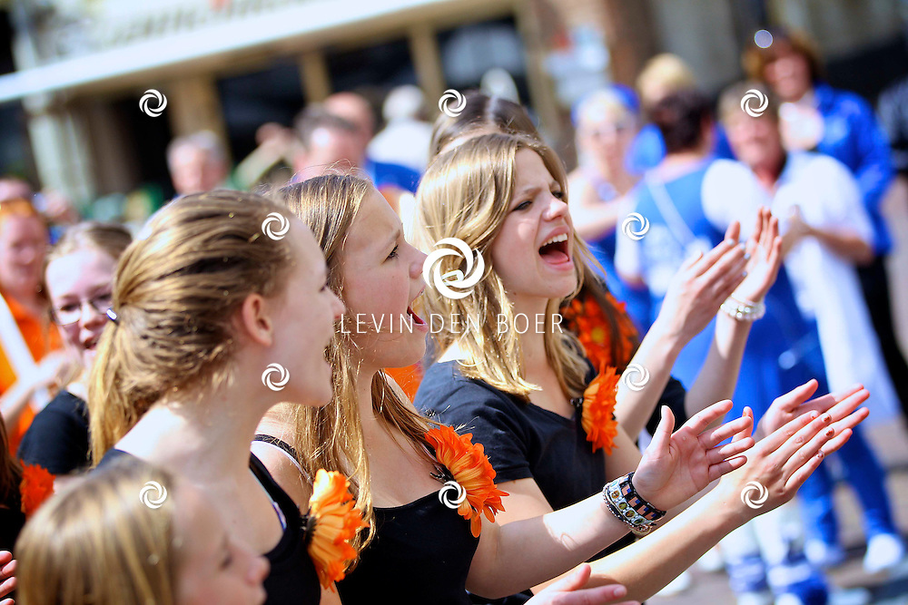ZALTBOMMEL - In de binnenstad van Zaltbommel is weer een Blaaskappellen Festival gehouden. FOTO LEVIN DEN BOER - PERSFOTO.NU