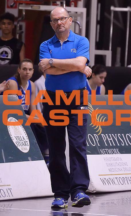 DESCRIZIONE : Roma Amichevole Pre Eurobasket 2015 Nazionale Italiana Femminile Senior Italia Ungheria Italy Hungary<br /> GIOCATORE : Roberto Ricchini<br /> CATEGORIA : allenatore coach<br /> SQUADRA : Italia Italy<br /> EVENTO : Amichevole Pre Eurobasket 2015 Nazionale Italiana Femminile Senior<br /> GARA : Italia Ungheria Italy Hungary<br /> DATA : 15/05/2015<br /> SPORT : Pallacanestro<br /> AUTORE : Agenzia Ciamillo-Castoria/Max.Ceretti<br /> Galleria : Nazionale Italiana Femminile Senior<br /> Fotonotizia : Roma Amichevole Pre Eurobasket 2015 Nazionale Italiana Femminile Senior Italia Ungheria Italy Hungary<br /> Predefinita :