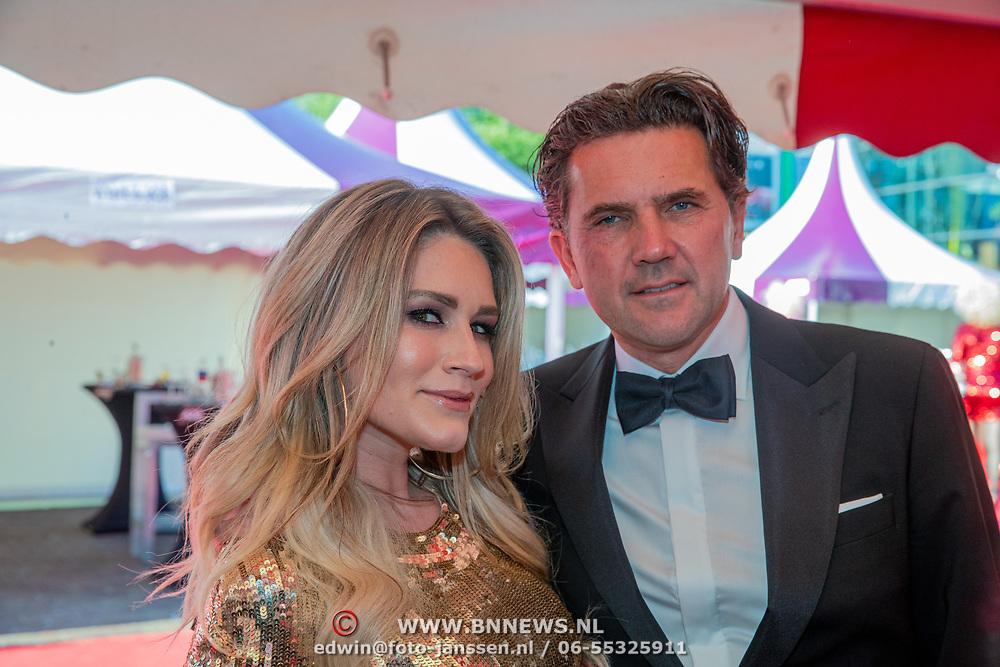 NLD/Amsterdam/201905225 - Amsterdamdiner 2019, Nikkie Plessen en partner Ruben Bontekoe